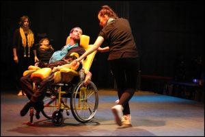 04-danse-Foyer-Jean-Couloigner-Ploudaniel-